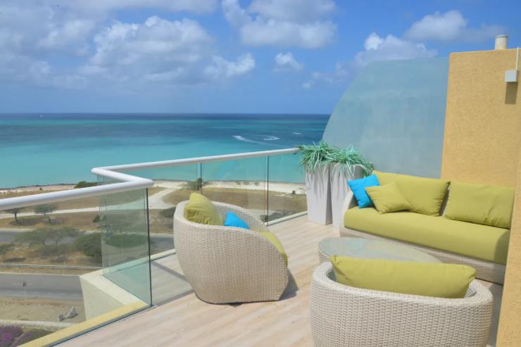 je-irausquin-boulevard-blue-residences-eagle-beach-aruba-ushombi-2