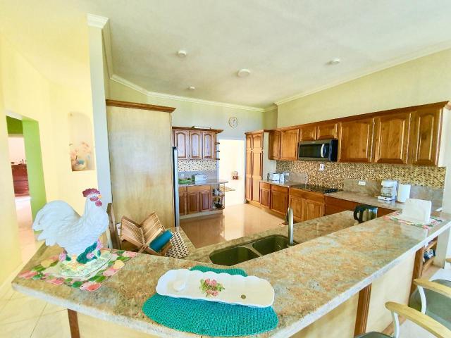 4-bedroom-house-for-sale-in-portland-jamaica-ushombi-9