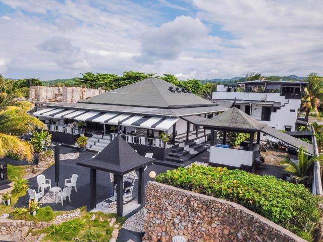 8-bedroom-apartment-villa-for-sale-in-portland-jamaica-ushombi-1