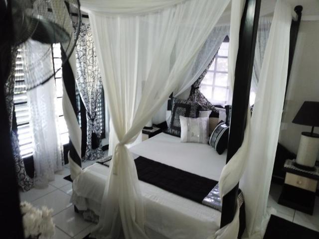 8-bedroom-apartment-villa-for-sale-in-portland-jamaica-ushombi-5