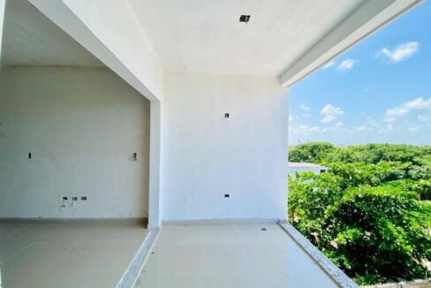 Belle-19-Playa-del-Carmen-Mexico-Ushombi-6