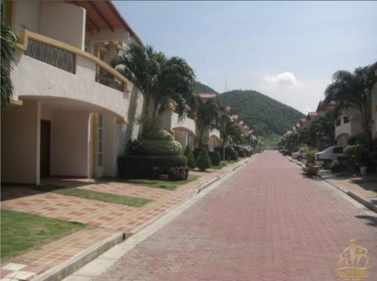 Rodadero-Home-in-Gated-Community-Santa-Marta-Colombia-Ushombi-1