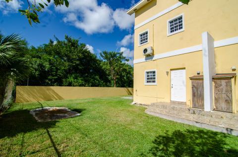 sandriana-gardens-townhouse-2-perpall-tract-nassau-bahamas-ushombi-32