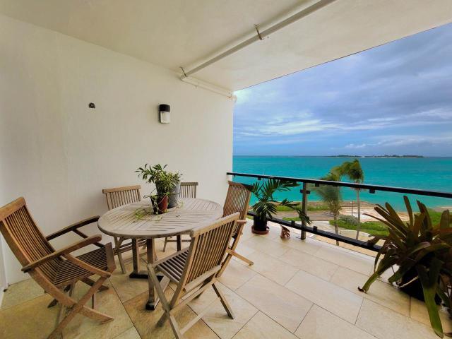 rawson-court-west-bay-street-cable-beach-bahamas-ushombi-1