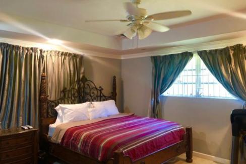 pine-avenue-nassau-bahamas-ushombi-14
