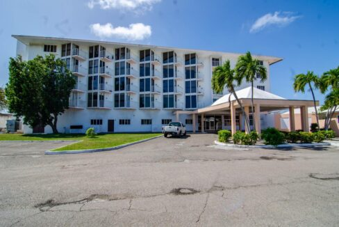 405-pilot-house-nassau-bahamas-ushombi-9