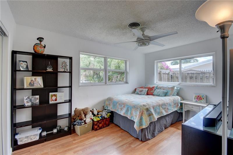5661-Northeast-22nd-Ave-Fort-Lauderdale-Florida-ushombi-15