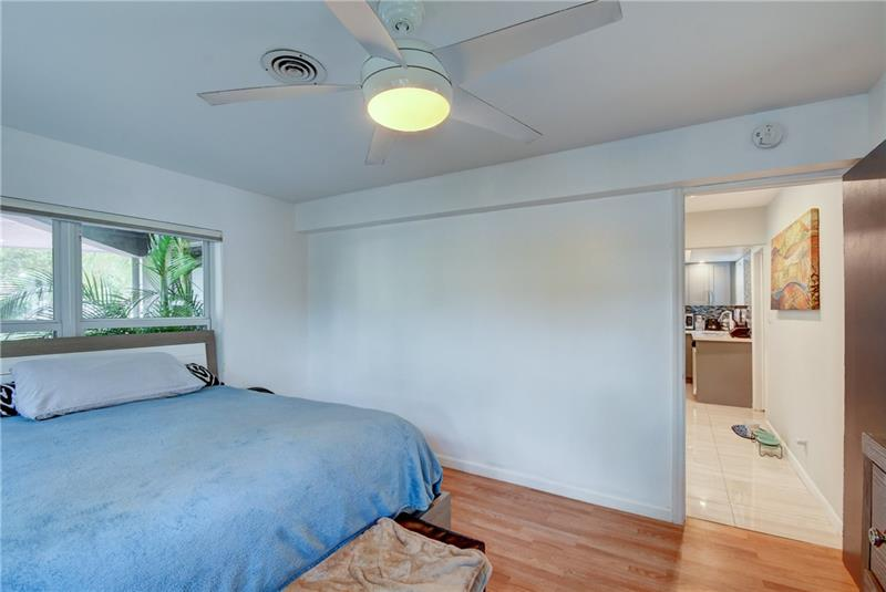 5661-Northeast-22nd-Ave-Fort-Lauderdale-Florida-ushombi-22