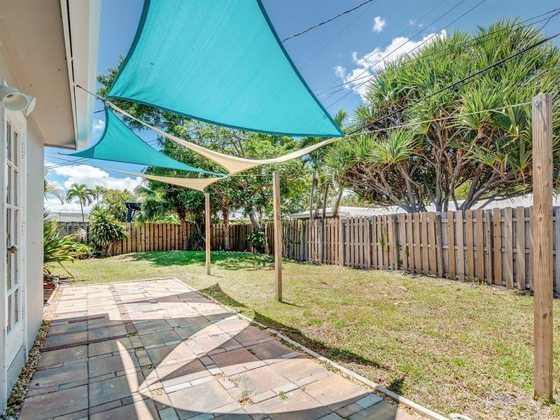 5661-Northeast-22nd-Ave-Fort-Lauderdale-Florida-ushombi-30