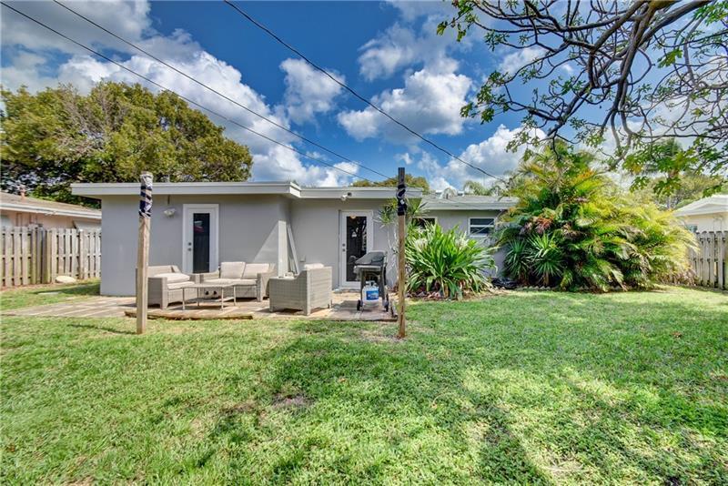 5661-Northeast-22nd-Ave-Fort-Lauderdale-Florida-ushombi-33