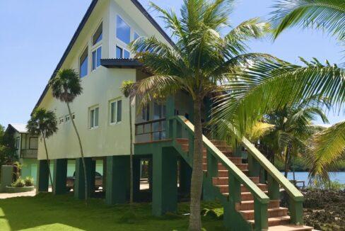 gibson-bight-waterfront-home-roatan-island-honduras-ushombi-1