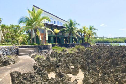 gibson-bight-waterfront-home-roatan-island-honduras-ushombi-2