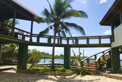 gibson-bight-waterfront-home-roatan-island-honduras-ushombi-4