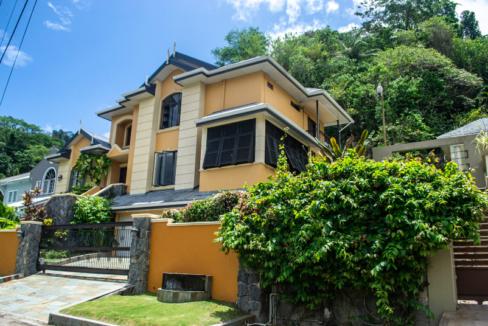executive-style-tri-level-property-in-blue-range-diego-martin-trinidad-and-tobago-ushombi-1