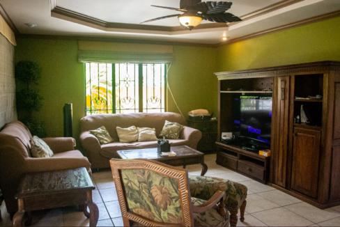 executive-style-tri-level-property-in-blue-range-diego-martin-trinidad-and-tobago-ushombi-7