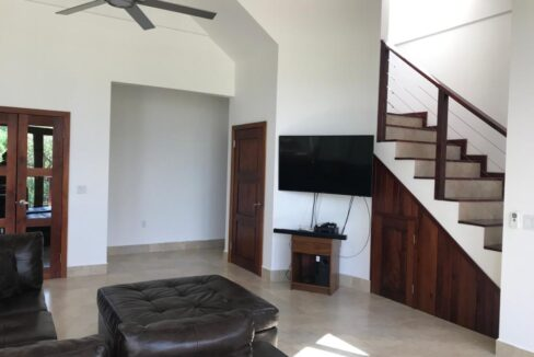 west-end-home-roatan-island-honduras-ushombi-6