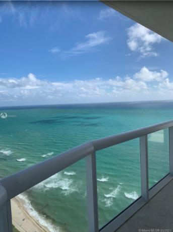 3BR-Akoya-Condo-Miami-Beach-Florida-Ushombi-31