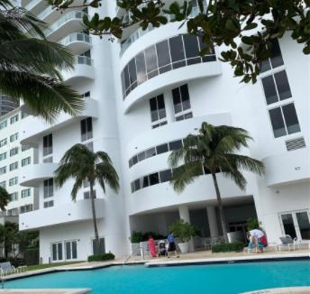 3BR-Akoya-Condo-Miami-Beach-Florida-Ushombi-32