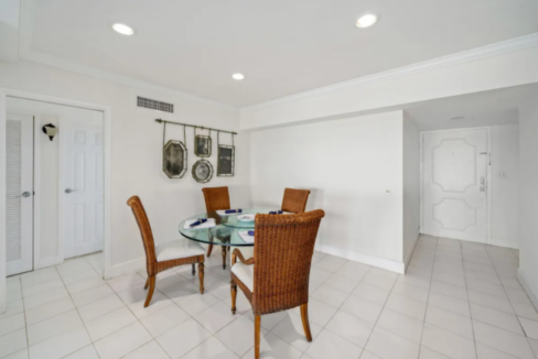 conchrest-penthouse-west-bay-street-conchrest-cable-beach-providence-bahamas-ushombi-7