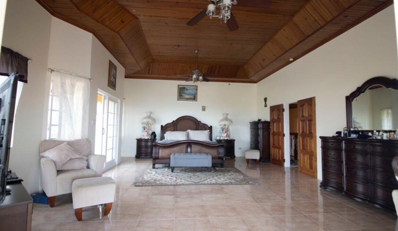 11-br-villa-for-sale-in-portland-portland-jamaica-ushombi-15