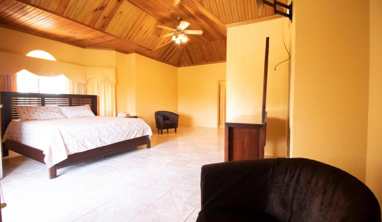 11-br-villa-for-sale-in-portland-portland-jamaica-ushombi-18