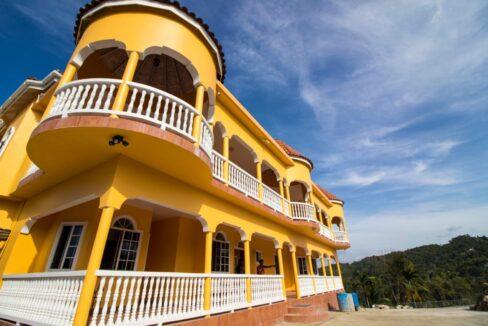 11-br-villa-for-sale-in-portland-portland-jamaica-ushombi-48