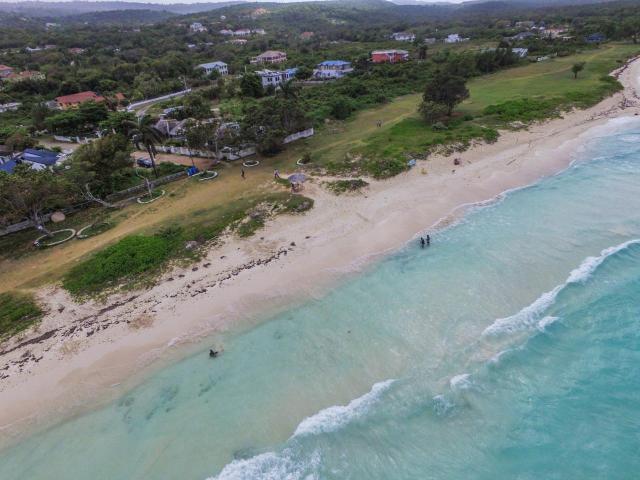 duncans-ave-residential-lot-duncans-bay-jamaica-ushombi-7