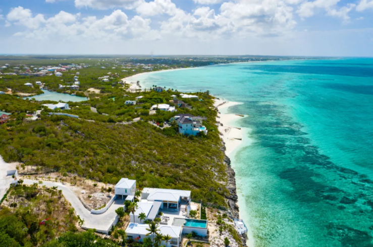 oceanfront-thompson-cove-providenciales-turks-and-caicos-ushombi-1
