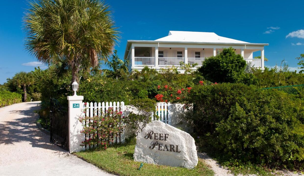 reef-pearl-villa-24-coconut-road-on-grace-bay-providenciales-turtle-cove-turks-and-caicos-ushombi-20