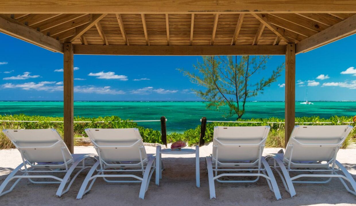 reef-pearl-villa-24-coconut-road-on-grace-bay-providenciales-turtle-cove-turks-and-caicos-ushombi-24
