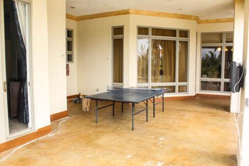 chic-canalfront-estate-in-fortune-bay-grand-bahama-freeport-bahamas-ushombi-13