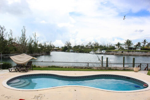 chic-canalfront-estate-in-fortune-bay-grand-bahama-freeport-bahamas-ushombi-14