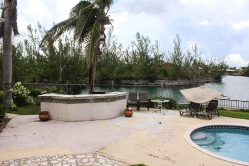 chic-canalfront-estate-in-fortune-bay-grand-bahama-freeport-bahamas-ushombi-15
