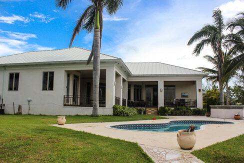 chic-canalfront-estate-in-fortune-bay-grand-bahama-freeport-bahamas-ushombi-19