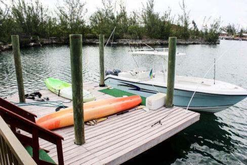 chic-canalfront-estate-in-fortune-bay-grand-bahama-freeport-bahamas-ushombi-20