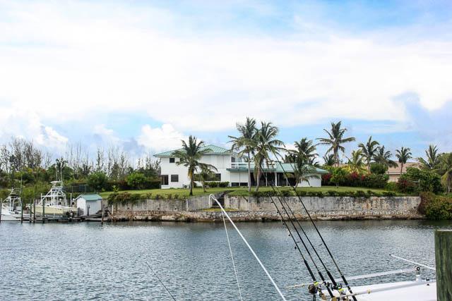 chic-canalfront-estate-in-fortune-bay-grand-bahama-freeport-bahamas-ushombi-22