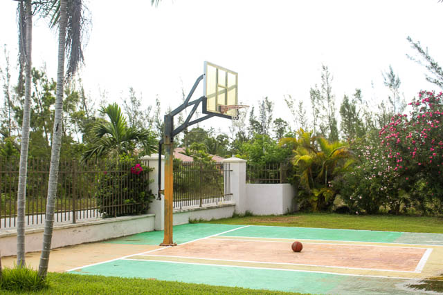 chic-canalfront-estate-in-fortune-bay-grand-bahama-freeport-bahamas-ushombi-24
