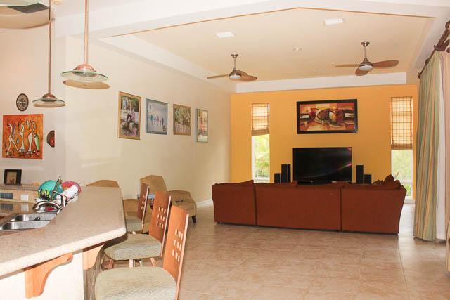 chic-canalfront-estate-in-fortune-bay-grand-bahama-freeport-bahamas-ushombi-4