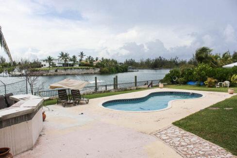 chic-canalfront-estate-in-fortune-bay-grand-bahama-freeport-bahamas-ushombi-7